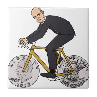 Dwight Eisenhower en la bici con las ruedas de la Azulejo Cuadrado Pequeño