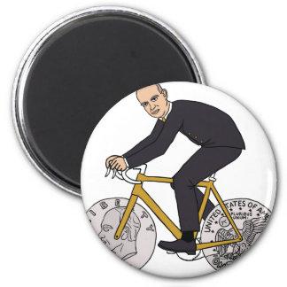 Dwight Eisenhower en la bici con las ruedas de la Imán