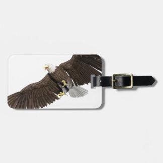 Eagle calvo con las alas en abajo frota etiqueta para maletas