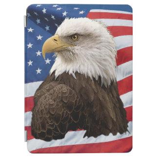 Eagle calvo en la foto patriótica de la fauna de cubierta de iPad air
