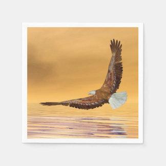 Eagle que vuela al sol - 3D rinden Servilletas Desechables