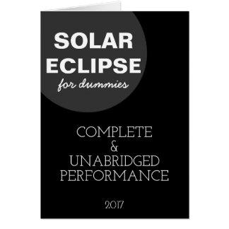 Eclipse solar para el personalizable divertido de tarjeta