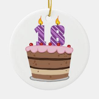 Edad 18 en la torta de cumpleaños adorno redondo de cerámica