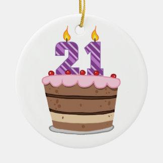 Edad 21 en la torta de cumpleaños ornamento de reyes magos