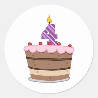 Edad 4 en la torta de cumpleaños etiqueta redonda