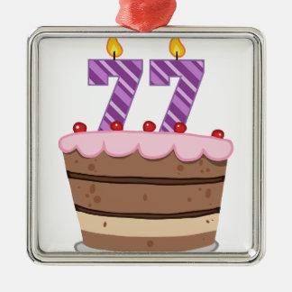 Edad 77 en la torta de cumpleaños ornamento para reyes magos