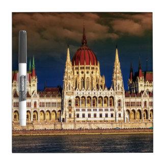 Edificio húngaro del parlamento en Budapest, Pizarras