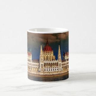 Edificio húngaro del parlamento en Budapest, Taza De Café