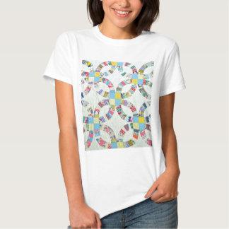 Edredón de remiendo colorido camiseta