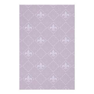 Efectos de escritorio de lujo púrpuras del modelo papelería