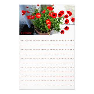 Efectos de escritorio rojos de la foto de la papelería