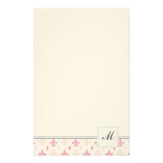 Efectos de escritorio rosados de la flor de lis papelería personalizada