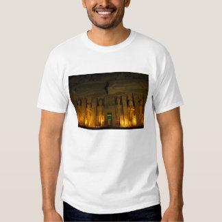 Egipto, Abu Simbel, fachada encendida de pequeño Camisas