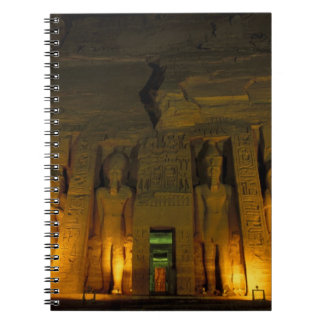 Egipto, Abu Simbel, fachada encendida de pequeño Libro De Apuntes Con Espiral