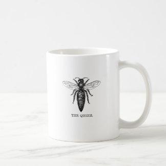Ejemplo blanco y negro de la abeja reina taza de café