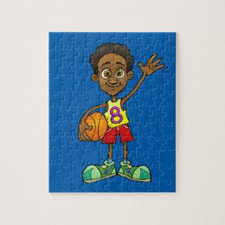 Ejemplo del dibujo animado de un muchacho que puzzle