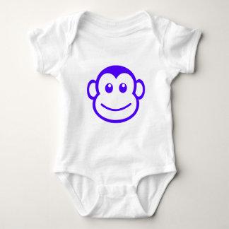 Ejemplo feliz de la animación del retrato de la camisetas