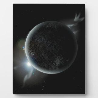 ejemplo negro del planeta 3d en el universo placa expositora