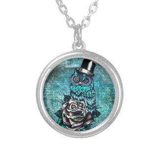 Ejemplo texturizado colorido del búho en base del  joyeria personalizada