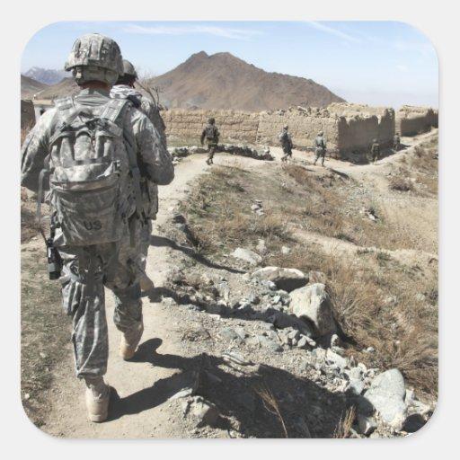 Ejército nacional afgano y soldados de los calcomania cuadradas personalizada
