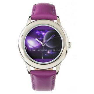 El acero inoxidable púrpura embroma el reloj