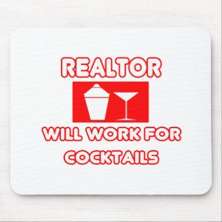 El agente inmobiliario… trabajará para los cóctele tapetes de ratón