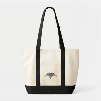 El águila gris con dos cabezas dos dirigió el bolso de tela