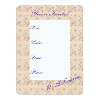El albaricoque bonito floreció la invitación de