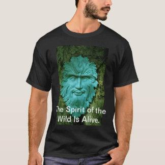 El alcohol del salvaje está vivo camiseta