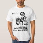 El alcohol es una solución en la química retra camisetas