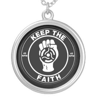 El alma septentrional guarda el vinilo de la fe joyerias personalizadas