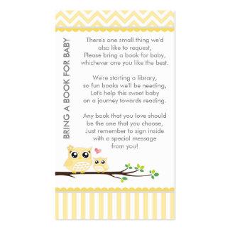 El amarillo de la fiesta de bienvenida al bebé del tarjetas de visita