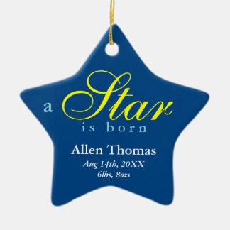 El amarillo de la marina de guerra una estrella es adorno navideño de cerámica en forma de estrella