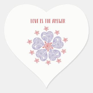El amor es el pegatina brillante de la respuesta