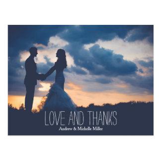 El amor y el casarse de las madejas le agradecen postal