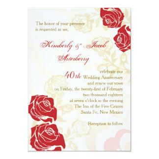 El aniversario de boda rojo y de oro de los rosas invitación personalizada