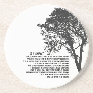 El árbol blanco y negro lo hace de todos modos posavasos