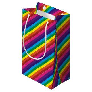 El arco iris colorido intrépido raya el modelo bolsa de regalo pequeña