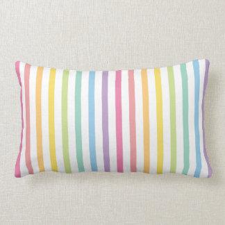 El arco iris del color en colores pastel raya el cojín lumbar