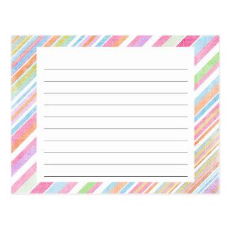 El arco iris en colores pastel raya la tarjeta de postal