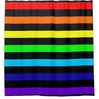 El arco iris raya la cortina de ducha