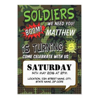 El arte pop cómico del camuflaje del ejército invitación 12,7 x 17,8 cm