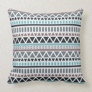 El Azteca inspiró la almohada de tiro del modelo