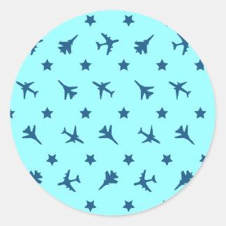 El azul acepilla el fondo pegatina redonda