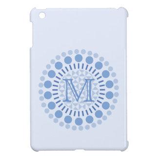 El azul adaptable del monograma circunda el caso