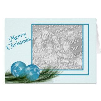 El azul adorna la tarjeta de Navidad