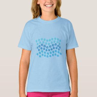 El azul agita la camiseta de los chicas