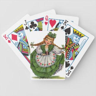 El bailarín irlandés retro de la muñeca con las baraja de cartas bicycle