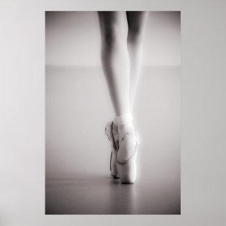 El ballet Pointe calza los deslizadores del baile Póster