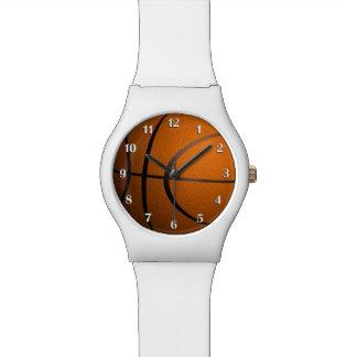 El baloncesto se divierte el reloj con los números